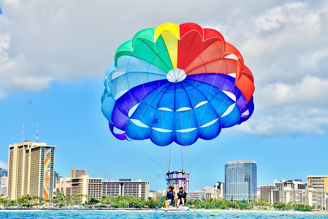 1-Hour Guided Hawaiian Parasailing in Waikiki