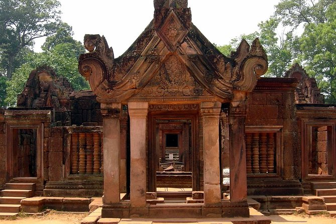 Full-Day Tour Banteay Srei and Grand Circuit from Siem Reap