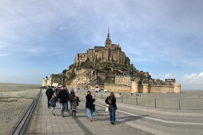 Mont-Saint-Michel Private Day Trip in Luxury Vehicle from Paris