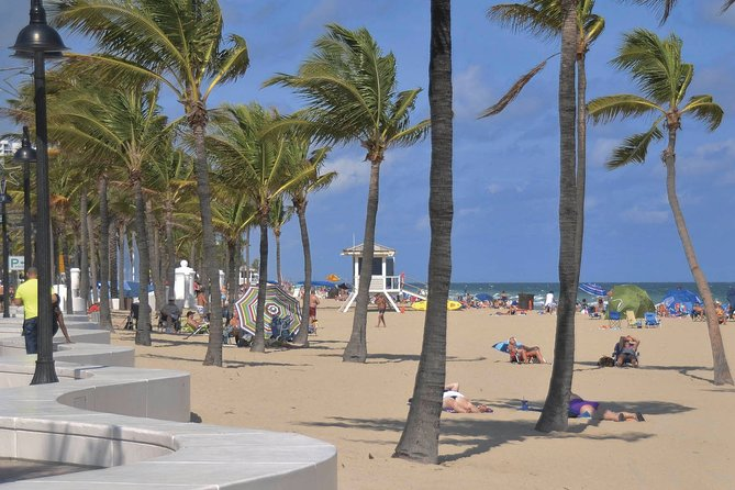 Fort Lauderdale Airport Transfer: Airport FLL to Fort Lauderdale in Business Car