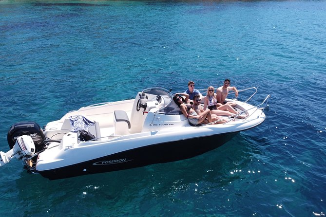 Rent a SpeedBoat in Santorini with License or Skippered