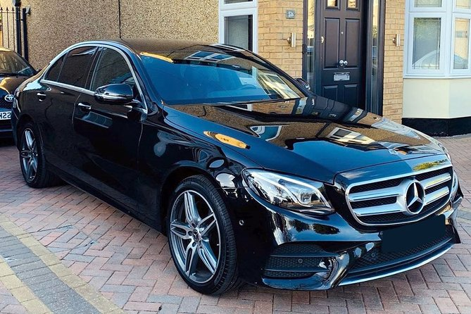 Departure Private Transfers: Melbourne to Melbourne Airport MEL in Business Car