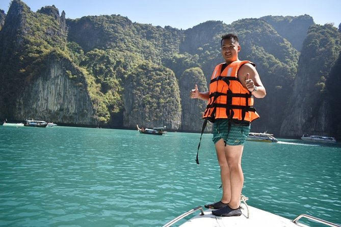 Phi Phi Islands Speedboat Day Tour from Phuket with Buffet Lunch