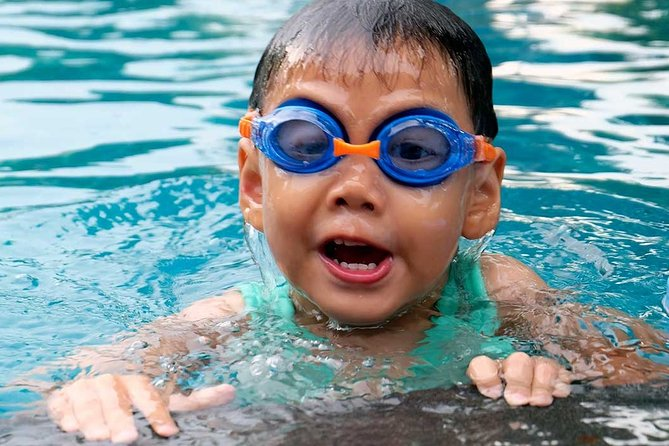 Aquatic class – swimming lessons with an instructor