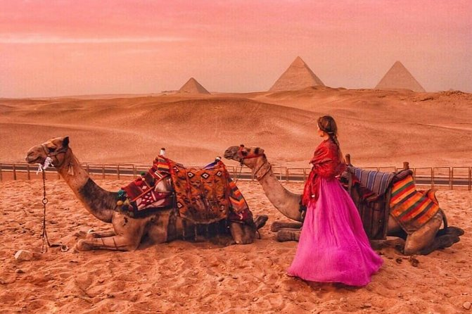 Private tour Giza Pyramids by Camel