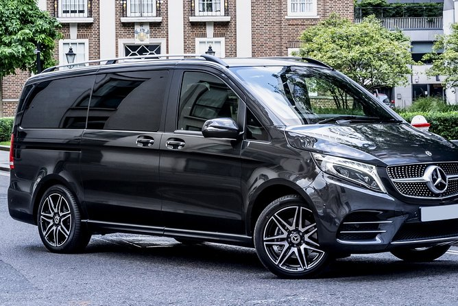 Arrival Private Transfers from Airport BHX to Birmingham in Luxury Van