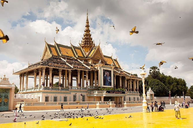 4-day Highlight of Phnom Penh Tonle Bati