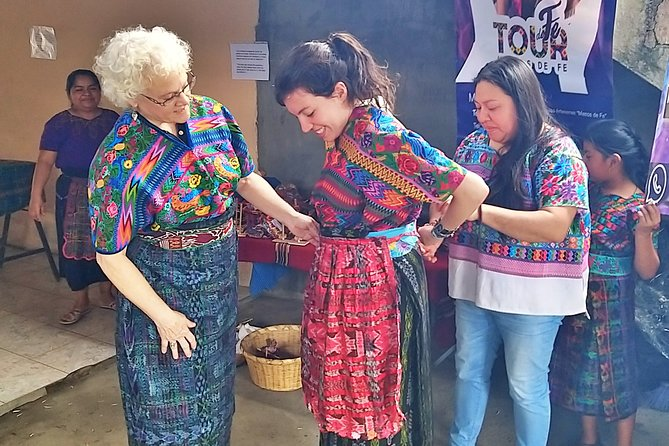 "Guatemala Textile Tour ""Color and tradition in San Antonio Aguas Calientes"""