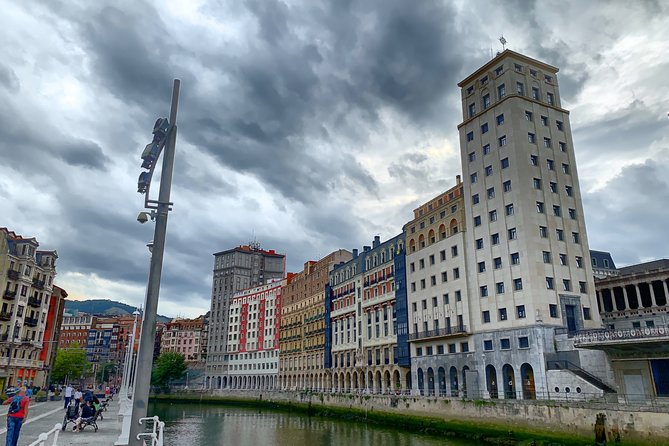 Private guided tour of Bilbao