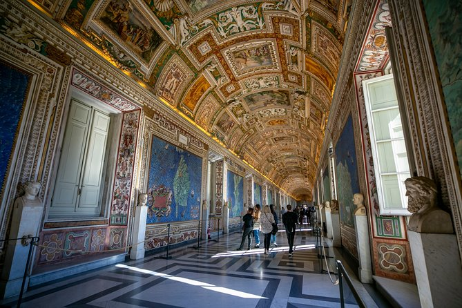 Skip-the-line Tour of the Vatican Sistine Chapel St Peter Basilica & Popes Tombs