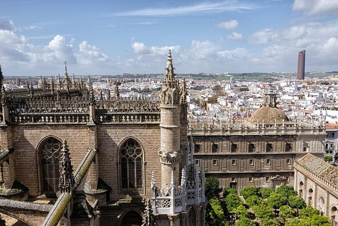 Alcazar, Cathedral and Giralda + Santa Cruz