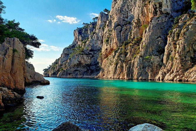 Aix en Provence and Cassis full day private tour