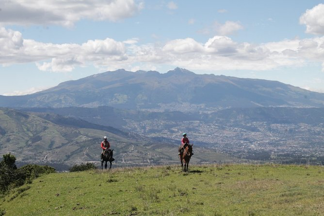 Nature getaway with overnight in a Cave hotel from Quito 2 Days / 1 Night