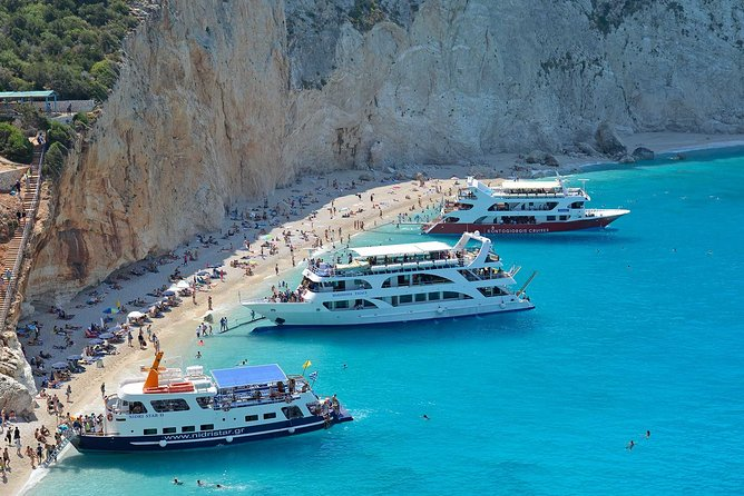 Cruise along the coast of Kefalonia with lunch and wine