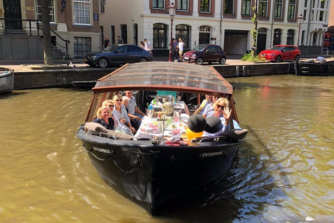 TWO hours hour!! Private boat hire!!