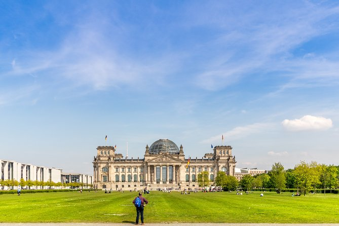 Prague to Berlin - Private Transfer with 2 hours of Sightseeing