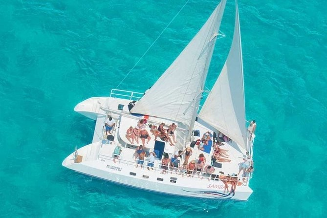 (All inclusive) Catamaran Tour to Isla Mujeres from Cancun for the less