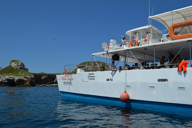 Islas Marietas - Incredible Tour Catamaran