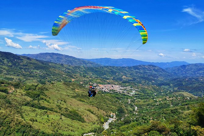 Guatape & Paragliding Private Tour: Nature and Adventure in One Great Day