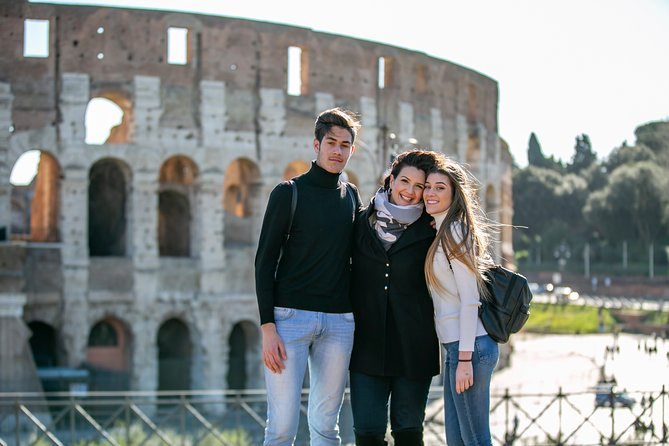 Rome Colosseum, Roman Forum, and Palatine Hill Walking Tour Fast Access Entry