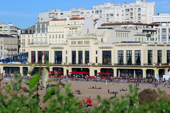 Private 3-hour Walking Tour of Biarritz with official tour guide