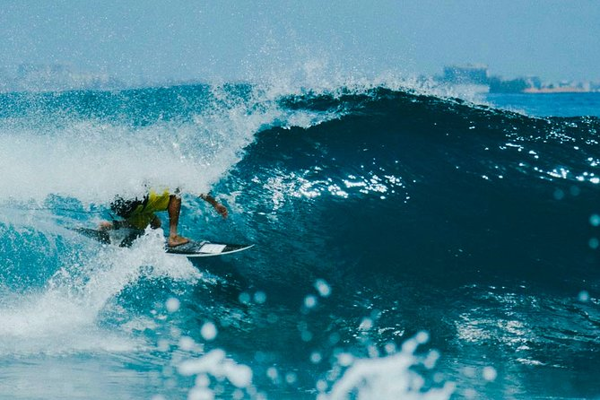 Surfing Maldives - Jailbreaks, Honky's and Sultans - 3N/4D