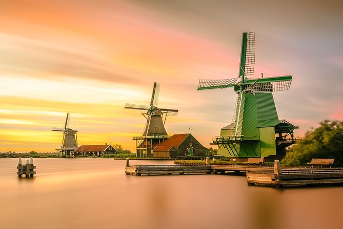 Private tour to Keukenhof tulip fields, Giethoorn and Windmills from Amsterdam