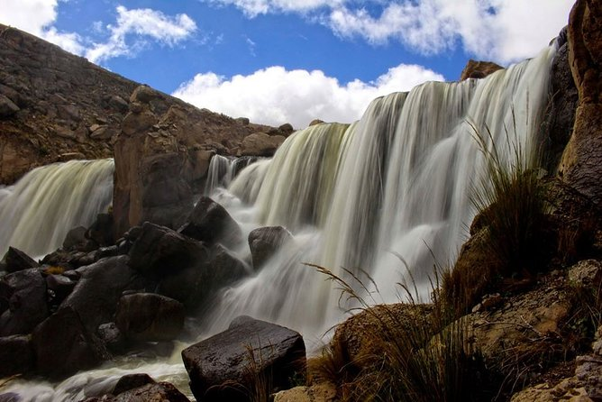 Day trip to Pillones waterfalls from Arequipa