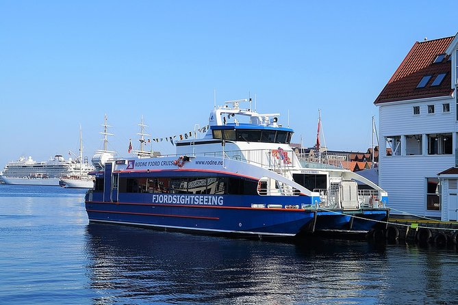 Mostraumen and Osterfjord Cruise - All year from Bergen