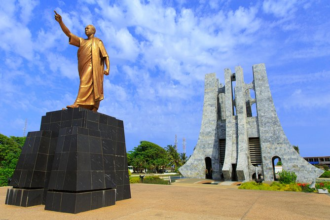Romantic walking tour in Accra