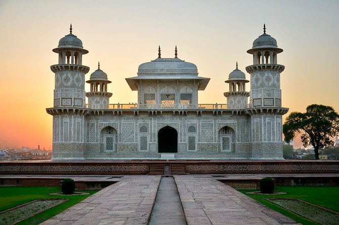 Taj Mahal Tour India By Train With Lunch And Entrance Tickets