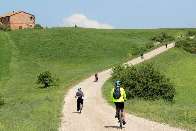 Bike trip from Pienza to Montalcino through the Val d'Oricia