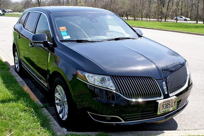 O'Hare Airport (Greet & Meet) To Chicago, Luxury Private Sedan, All Inclusive