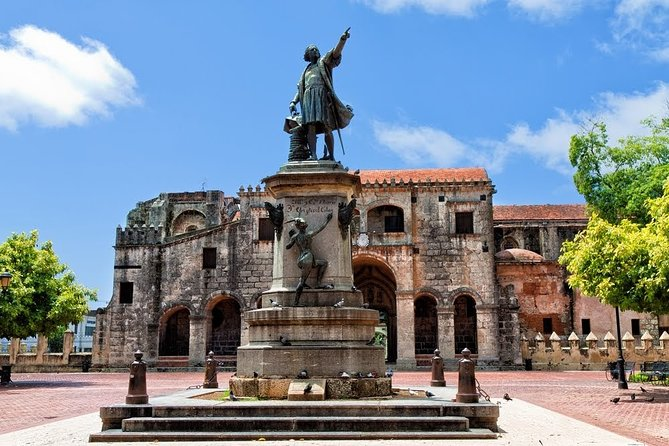 """Guided Tour """"Love Stories of Santo Domingo"""""""