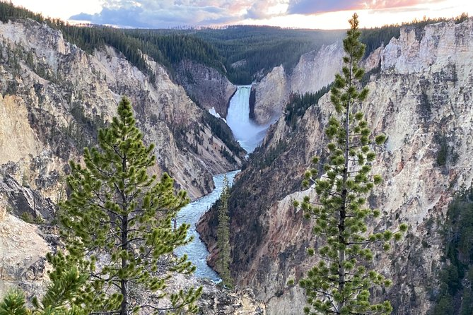 Private Day Tour Jeep Safari of Yellowstone from Idaho Falls and Rexburg