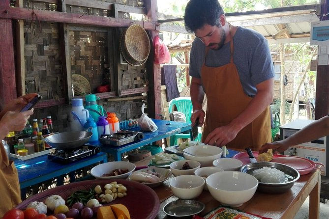 Yangon: Authentic Burmese Cooking Class with Lunch