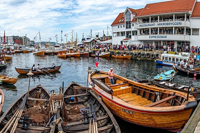 Bergen by car private tour with local food tasting