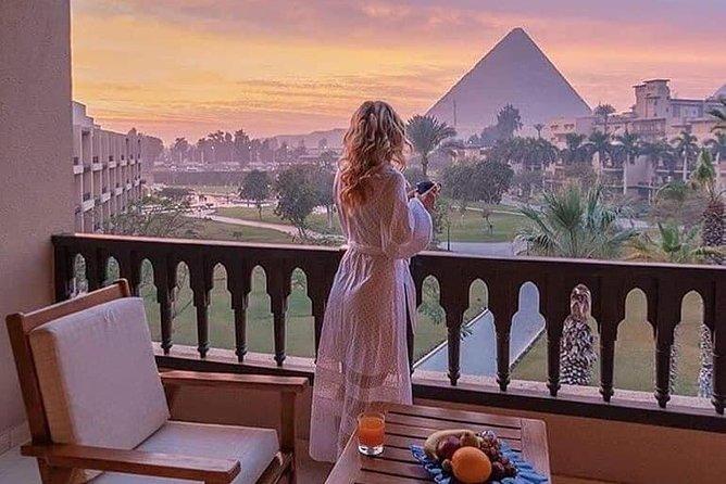 Giza's Grandeur – Great Pyramids, Memphis & Saqarra from Cairo