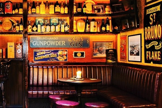 Private Irish whiskey tasting in local country pub. Galway. Guided. 30 minutes.