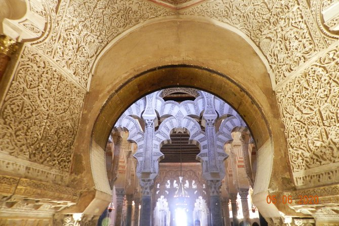 Visit of La Mosquèe Cathedral with an official guide.