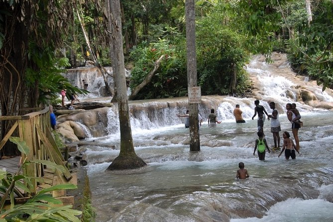 Blue Hole and Dunn's River Falls Tour from Montego Bay