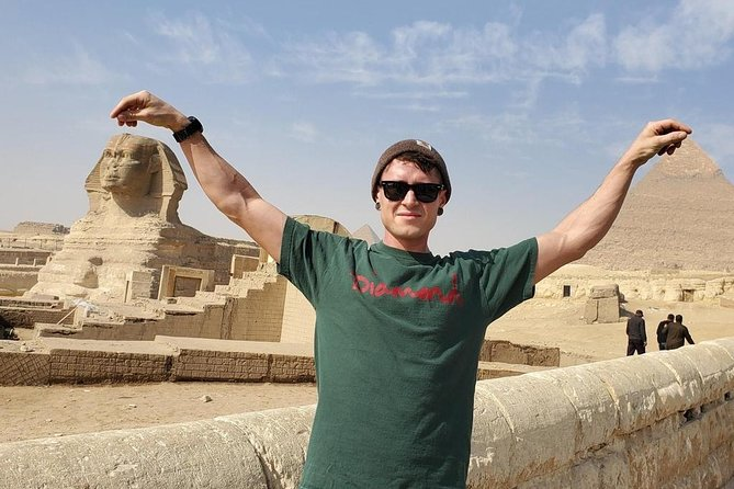 Full-Day Tour To Giza Pyramids, Sphinx, Saqqara and Dahshur includes Lunch