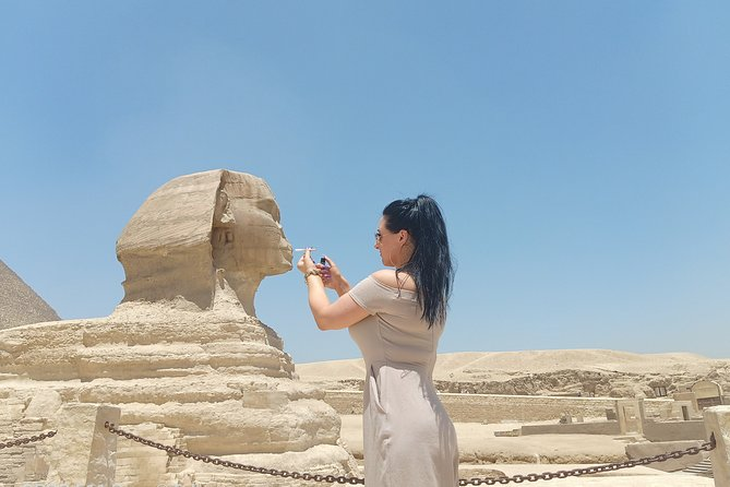 Full-Day Tour to Pyramids Of Giza Sphinx Memphis and Saqqara