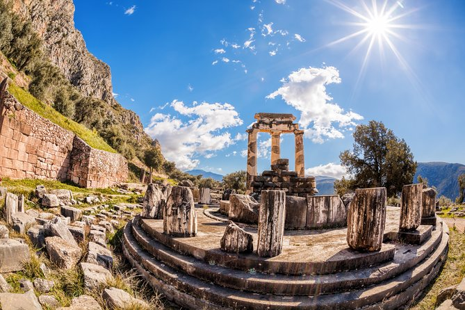 Mercedes Private Full-Day Tour from Athens to Delphi and Arachova