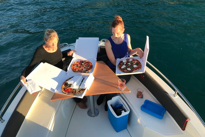 Private Boat Trip on Lake Thun with Pizza and Beer
