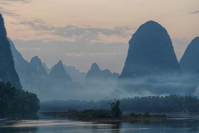 Private Day Tour to Yangshuo from Guilin: Yulong River, Li River Boat and More
