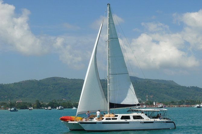 Sailing Catamaran for up to 14 guests overnight
