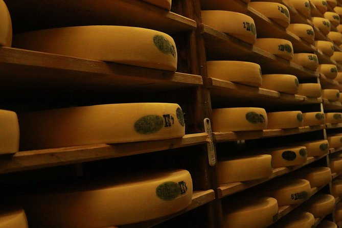 Cheese, Chocolate and Wine in the Bern Region from Luzern
