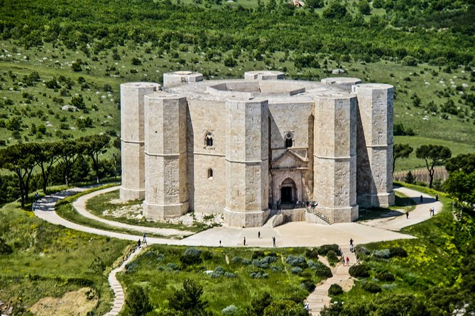 Trani and Castel del Monte tour with wine tasting