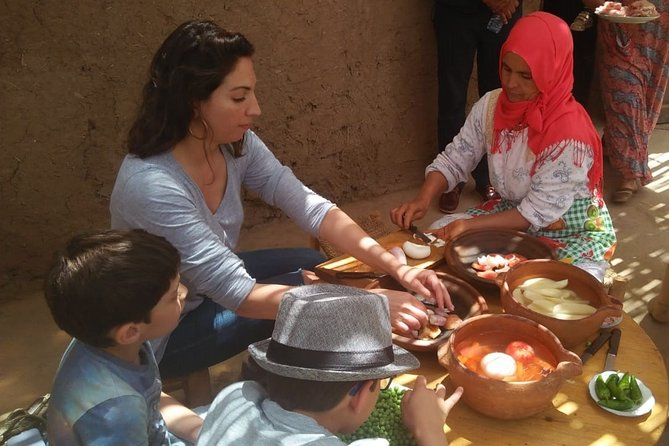 Cooking class with Berber family